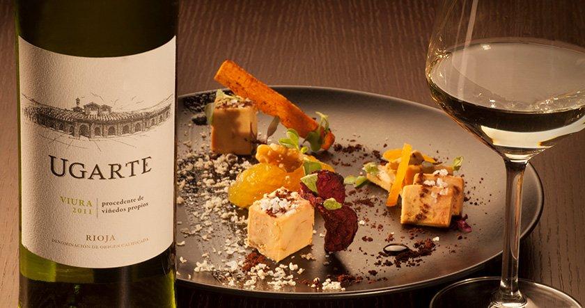 cata de vinos y comida en bodega Eguren Ugarte Laguardia