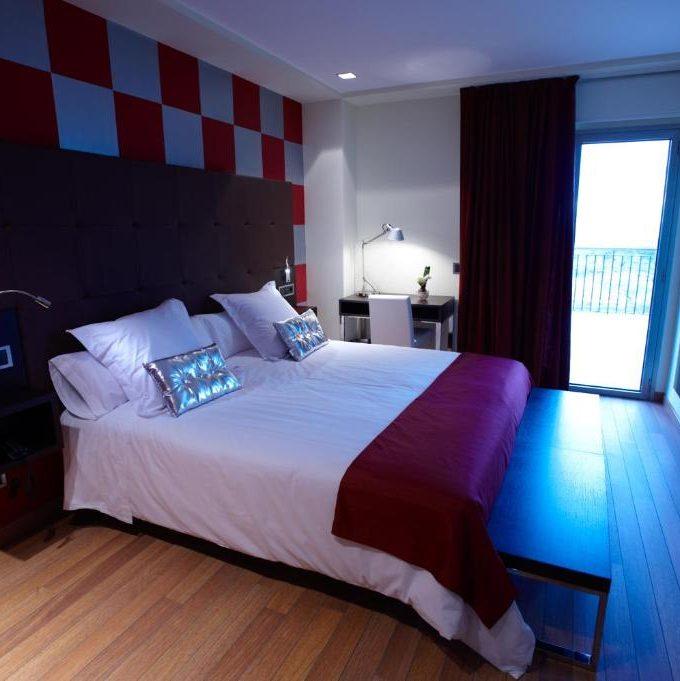 Habitación Doble Deluxe, bodega hotel en Laguardia. baño