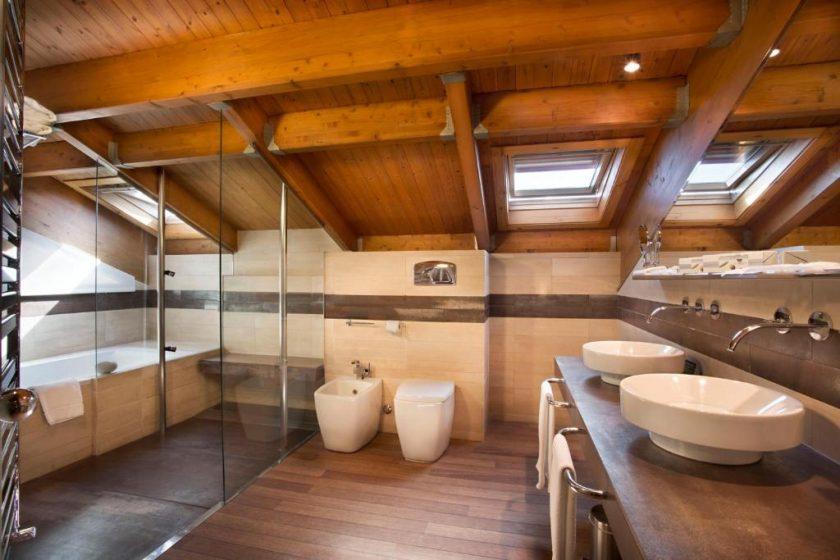 Habitación Doble Premium, bodega hotel en Laguardia. Baño